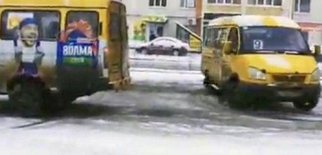 ГИБДД проводит проверку после дрифта, который устроили водители маршруток в Ставрополе