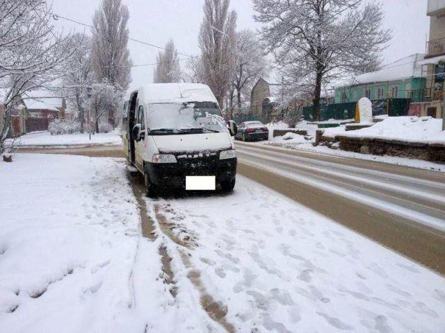 Пожилая женщина пострадала в результате падения в маршрутке в Ставрополе