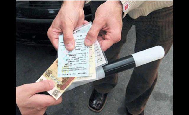 На Ставрополье проверят видеозапись с 40 взятками, которые получили сотрудники ДПС