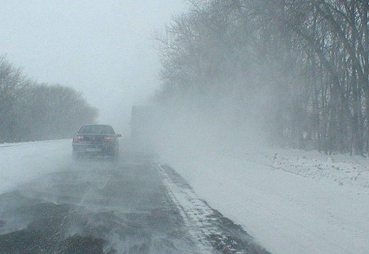 Из-за снегопада иналеди наСтаврополье перекрывают дороги