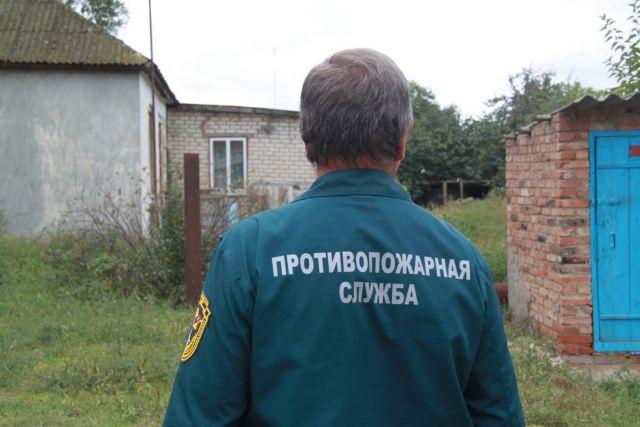 На Ставрополье пожарные достали мужчину, провалившегося в колодец с питьевой водой