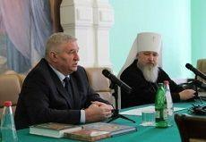 Школам Ставрополя передали в дар духовную литературу