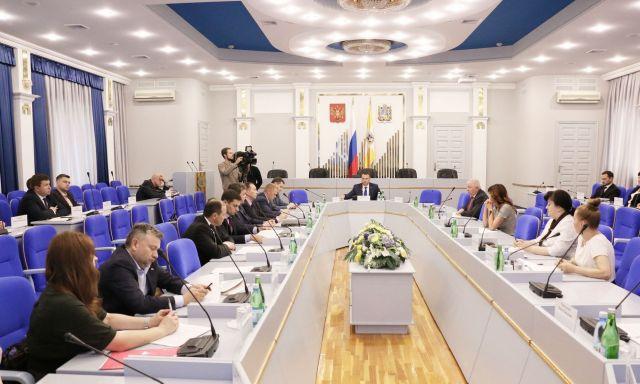 В Думе Ставропольского края рассмотрели жалобы граждан на МФЦ