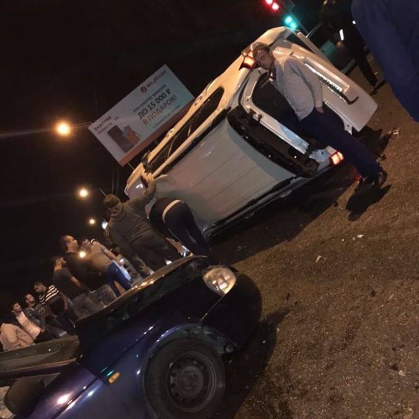 В Пятигорске из-за нарушителя на внедорожнике произошло тройное ДТП