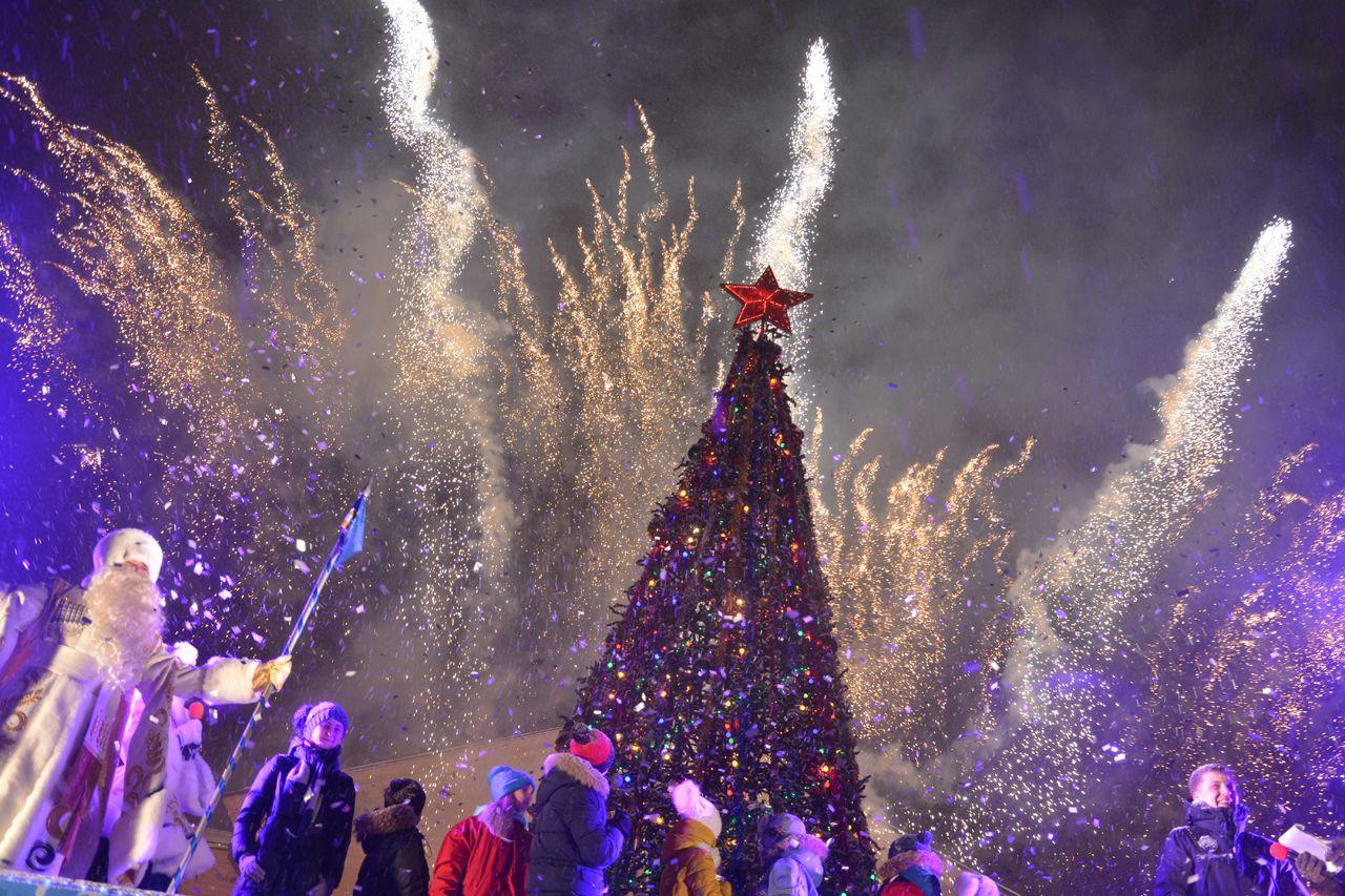Вновогодние праздники вСтаврополе выберут лучший двор ипроведут большую ярмарку