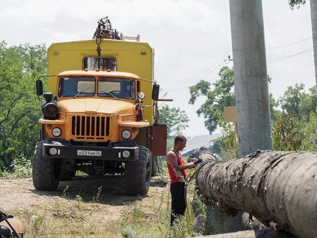Губернатор проинспектировал ход работ по восстановлению подмытого водовода через Кубань