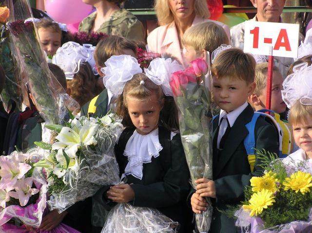 Губернатор Ставрополья 1 сентября побывал на торжественных линейках в двух школах