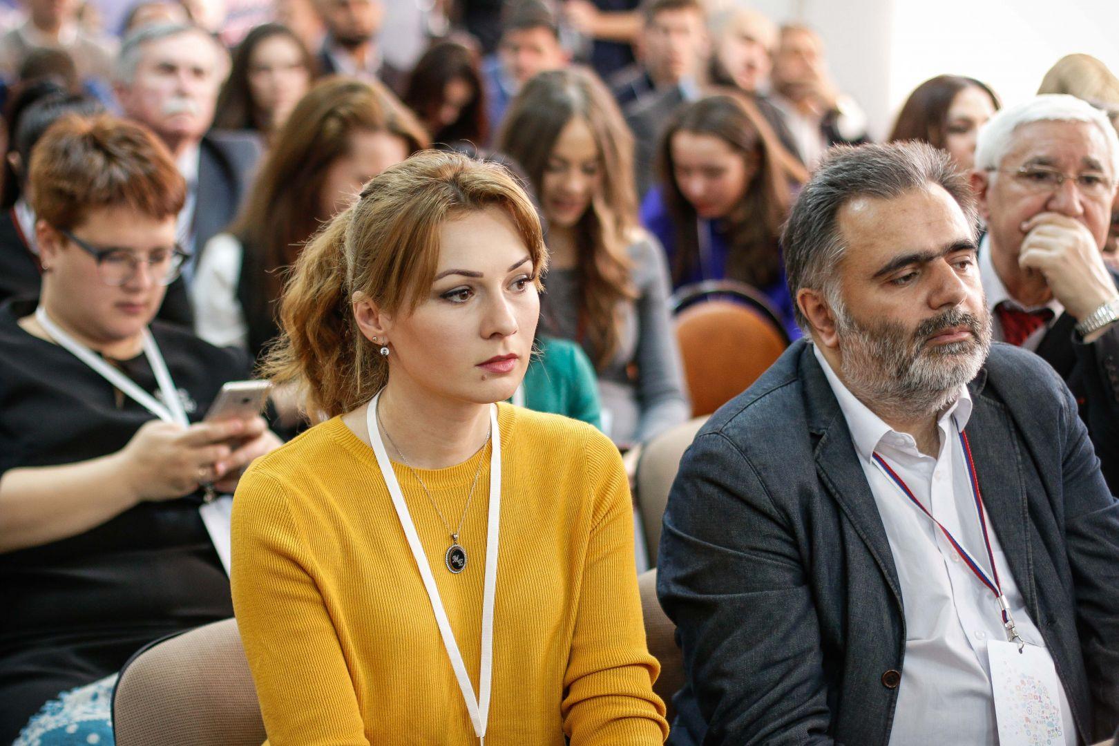 Состоялось первое пленарное заседание V форума СМИ Северного Кавказа