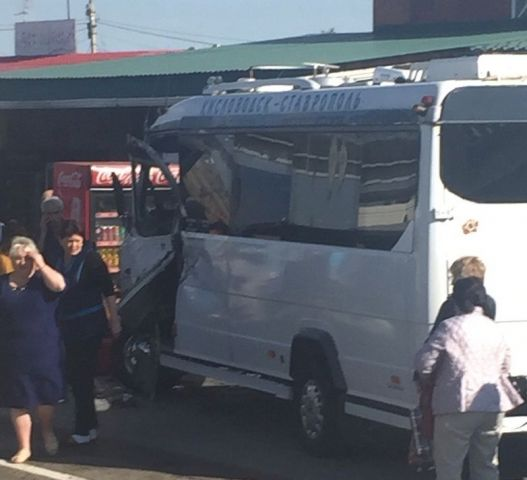 На Ставрополье произошло ДТП с пассажирским автобусом
