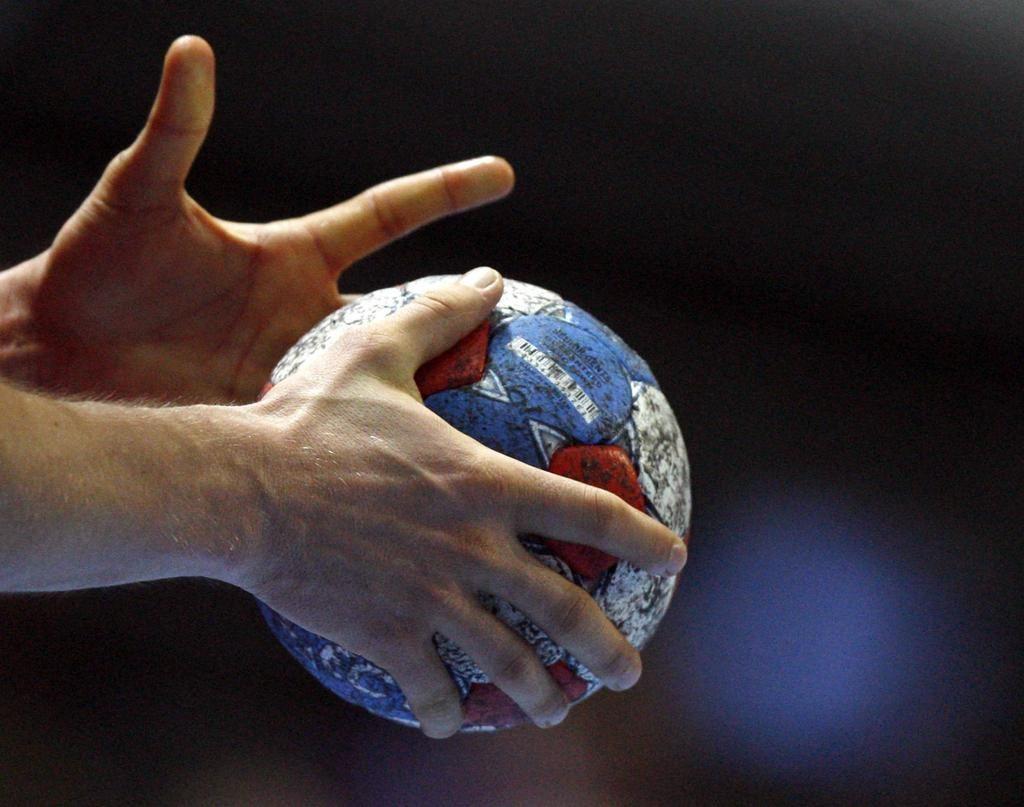 Ставропольские гандболисты одержали победу над чемпионами России