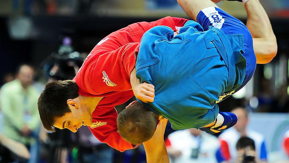 Более ста самбистов сразились в турнире в Ставрополе