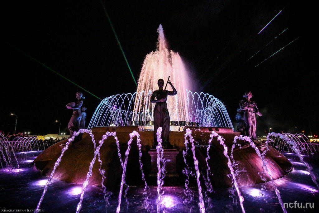 Новый фонтан в Ставрополе оденут в красочный зимний наряд
