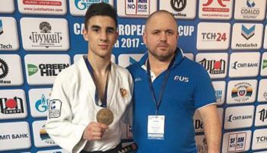 Пятигорский дзюдоист завоевал серебро на всероссийских соревнованиях в Хабаровске