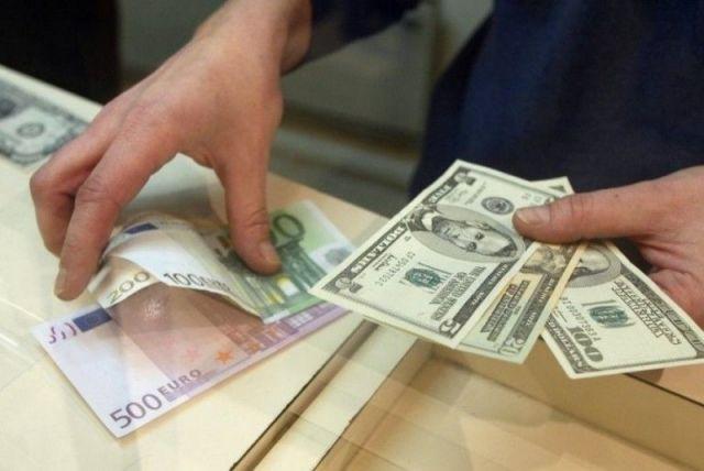 В России могут ввести ограничения при покупке валюты в обменниках