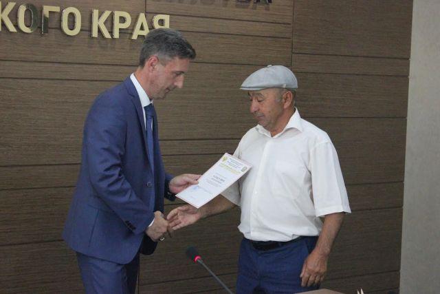 47 начинающих фермеров Ставрополья получили гранты от Минсельхоза