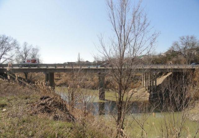 На Ставрополье перекроют участок одной из дорог из-за ремонта моста