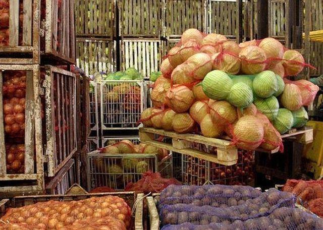 На Ставрополье работник овощебазы вывез имущество хозяина