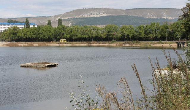 Старое озеро в Кисловодске заполнили водой