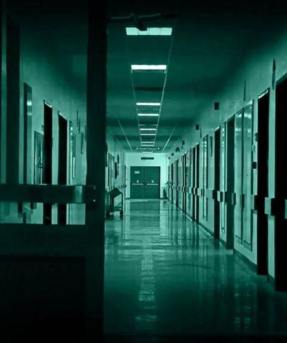 Прокуратура проверяет информацию о пациентке больницы, которая после обморока вытирала с пола свою кровь