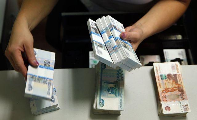 Правительство РФ готовит рекордное изъятие валюты из экономики