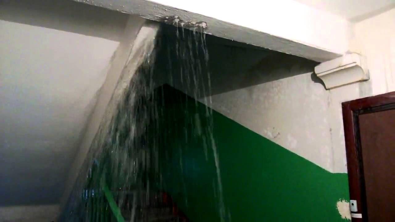 ВСтаврополе горячая вода затопила 12 этажей дома