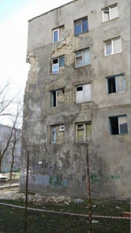 В Ставрополе продолжается ремонт здания общежития на улице Бруснёва, 4