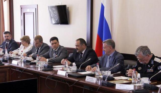 Сергей Меликов провёл встречу с членами советов старейшин регионов СКФО