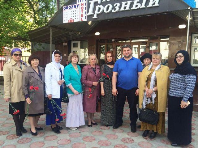 Матери погибших солдат посетили Чечню вместе с психологом Ставропольской психиатрической больницы