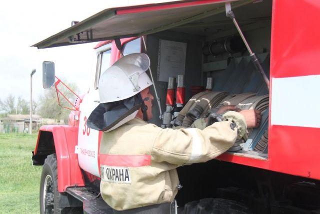 На Ставрополье загорелась легковушка, погиб 52-летний водитель
