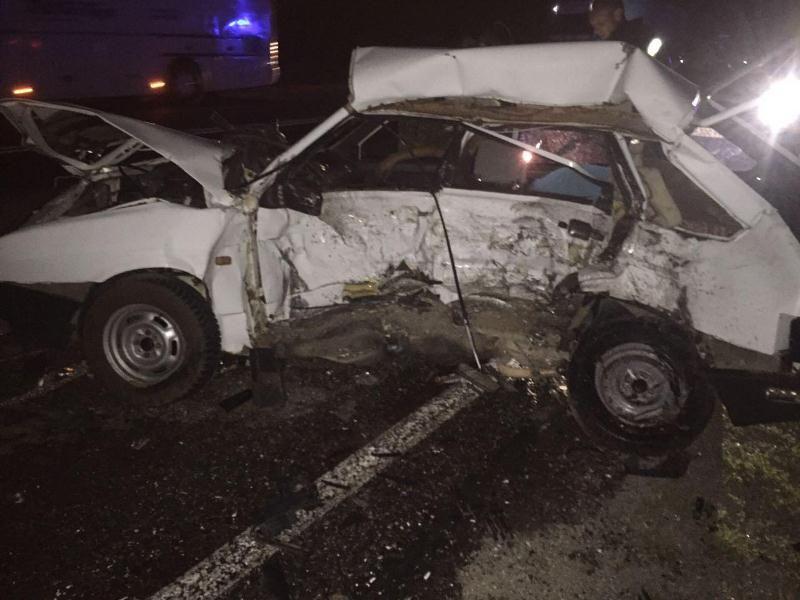 На Ставрополье столкнулись две легковушки, погибли два человека