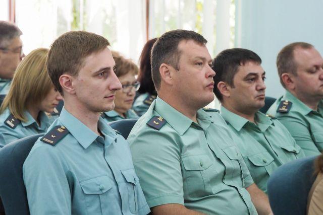За полгода судебные приставы взыскали со ставропольцев свыше трёх миллиардов рублей