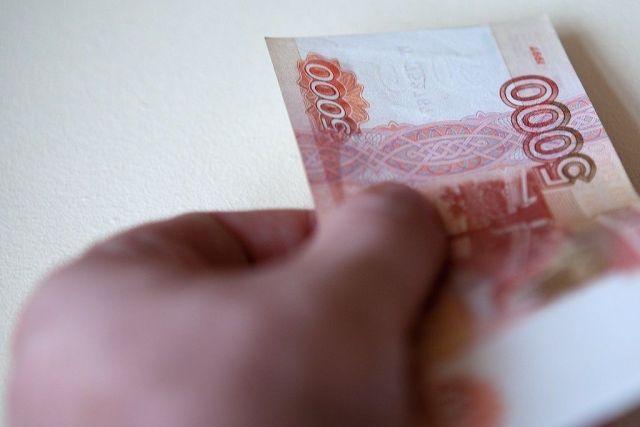 В Георгиевске мошенница за «трюк» с 5-тысячной купюрой попала за решётку