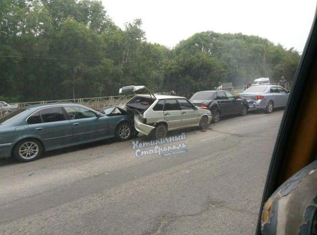 ДТП с участием четырёх легковушек произошло в Ставрополе