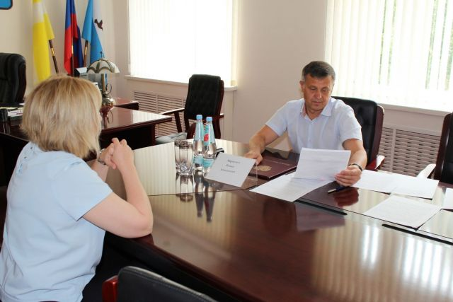 В коммунальных проблемах Грачёвского района разбирался министр ЖКХ Ставропольского края