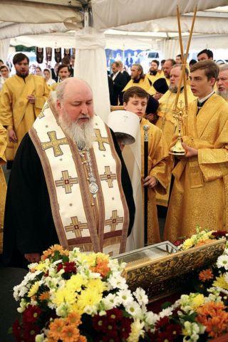 В Ставрополь доставили ковчег с частицей мощей священномученика Киприана