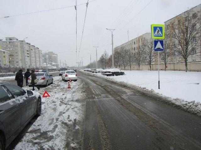 В Ставрополе на пешеходном переходе сбили 19-летнюю девушку