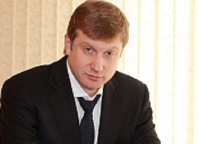 Министра строительства и дорожного хозяйства Ставрополья взяли под домашний арест