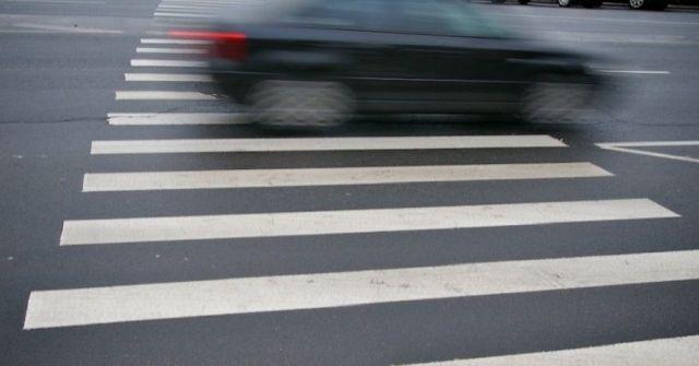 В Ставрополе на пешеходном переходе иномарка сбила полицейского