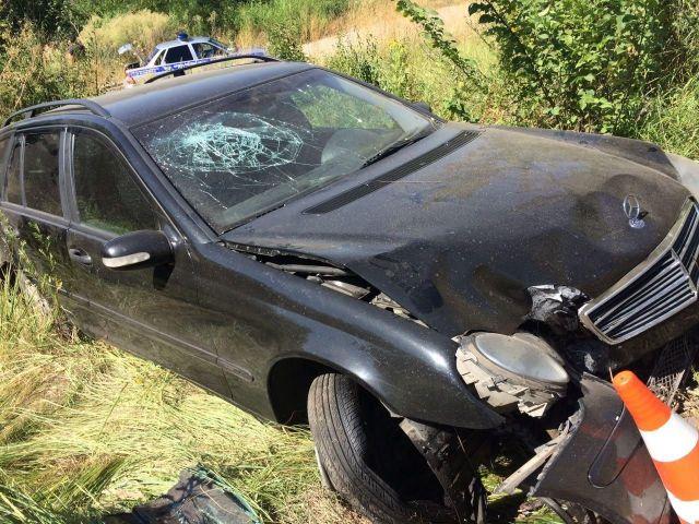 В Пятигорске иномарка наехала на отбойник, есть пострадавшие