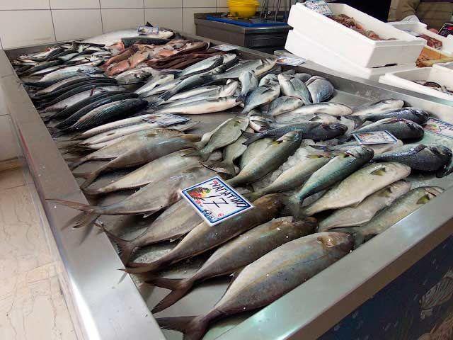 На Ставрополье за нарушения оштрафовали почти 40 рыбных магазинов