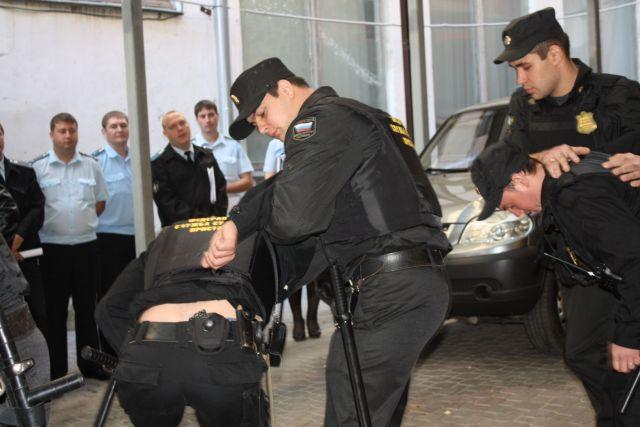 Жителя Ставрополья осудят за избиение судебного пристава