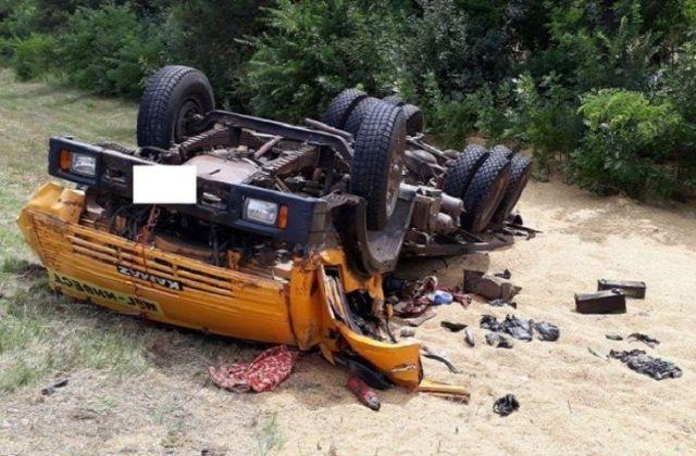На Ставрополье перевернулся «КамАЗ», пострадал водитель