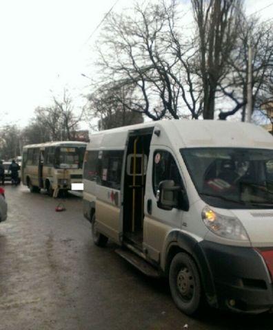 В Ставрополе столкнулись две маршрутки, есть пострадавшие