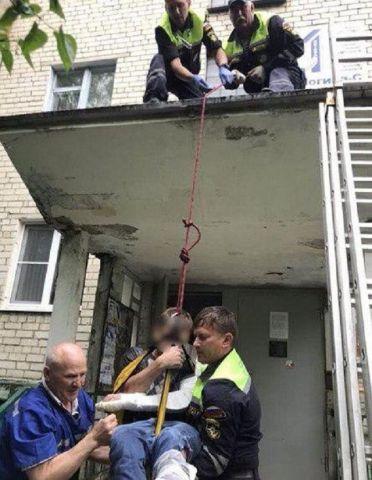 В Ставрополе парень получил переломы после прыжка из окна