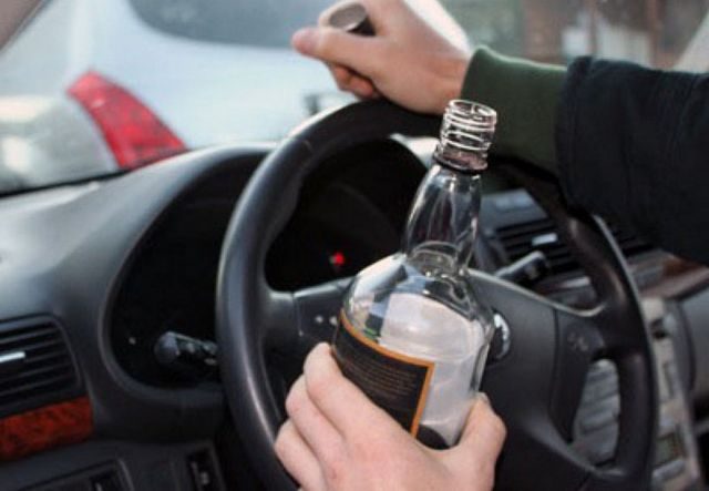В Ставрополе пьяный угонщик автомобиля заснул за рулём