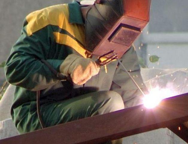 На Ставрополье кузнец-штамповщик во время работы лишился трёх пальцев