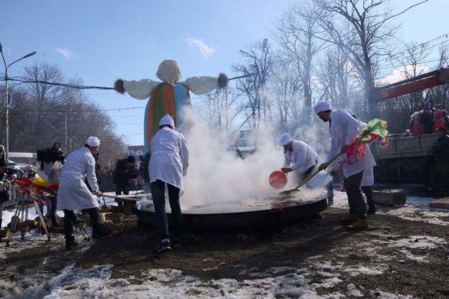 В Ставрополе с размахом и лопатами проводили зиму