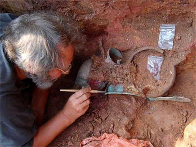 При исследовании курганов на Ставрополье обнаружены десятки древних захоронений