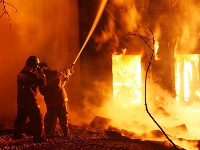 В ночь с 8 на 9 мая в Предгорном районе ликвидирован пожар, есть пострадавшие