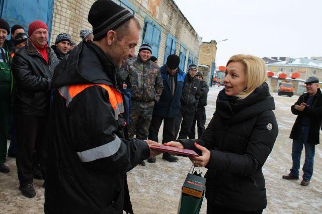 Сопредседатель центрального штаба ОНФ Ольга Тимофеева встретилась с коммунальщиками Промышленного района Ставрополя